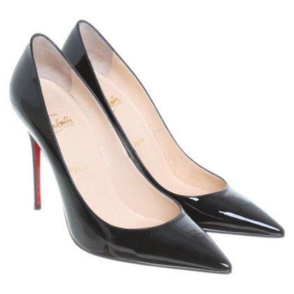 Christian Louboutin Lackleder-Pumps in Schwarz