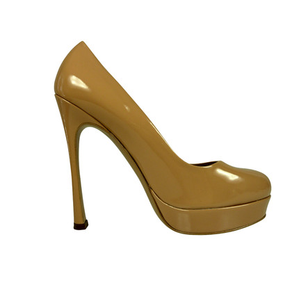 "Yves Saint Laurent ""Gisele 105 pumps"" in nude"