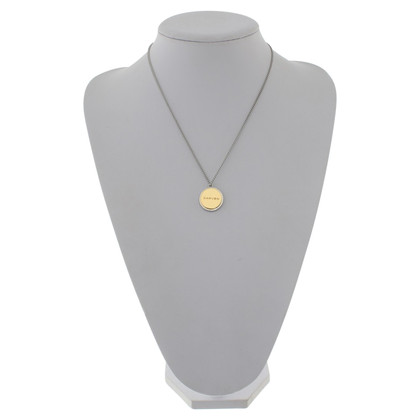 Carven Chain with round pendant