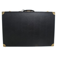 Ferre Case in black