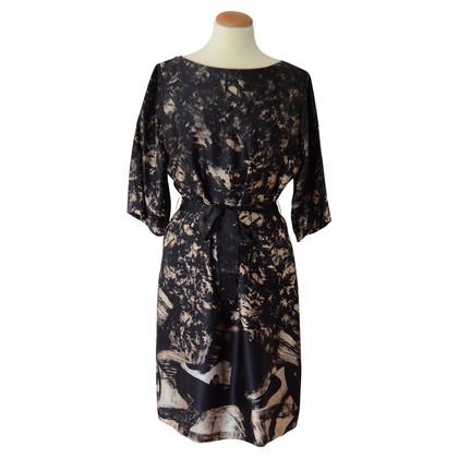 Hugo Boss Silk dress with belt