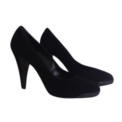 Tod's Black Suede pumps