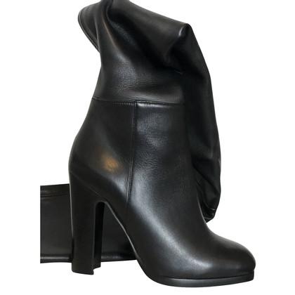 Alaïa Overknee boots
