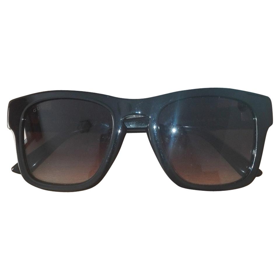 Gucci occhiali da sole neri compra gucci occhiali da for Occhiali neri da sole