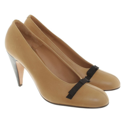 Marni Leather pumps in beige