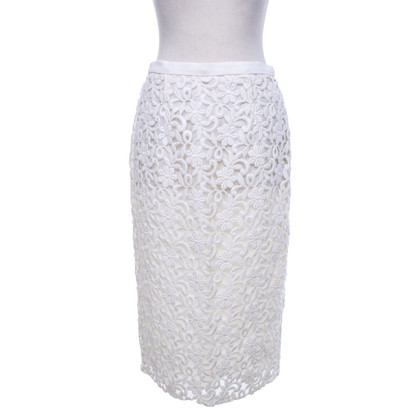 Burberry Lace skirt in creamy white