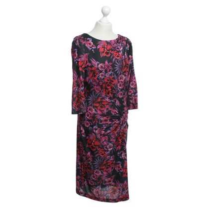 Laurèl Dress with floral pattern