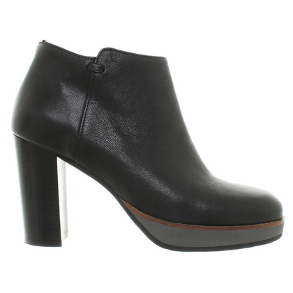 Fred de la Bretoniere Ankle boots made of leather