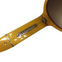 Chanel occhiali da sole giallo