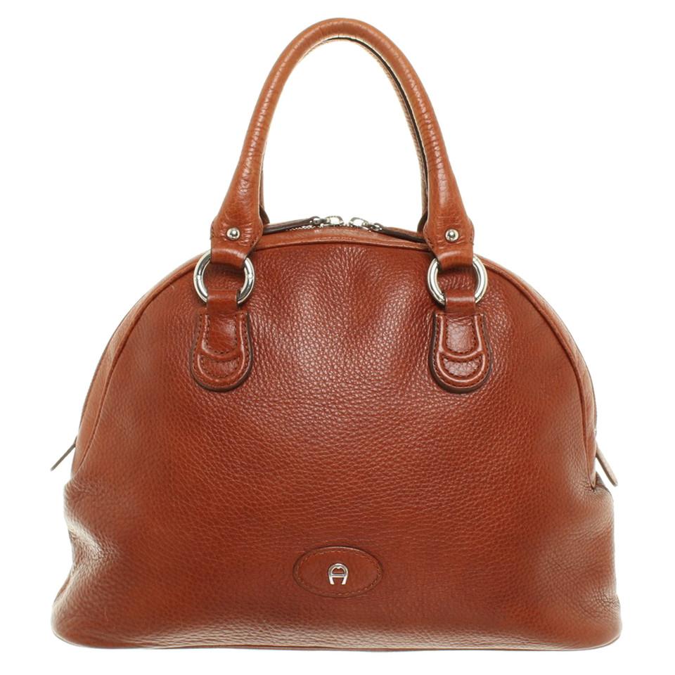 aigner handtasche in braun second hand aigner handtasche in braun gebraucht kaufen f r 200 00. Black Bedroom Furniture Sets. Home Design Ideas