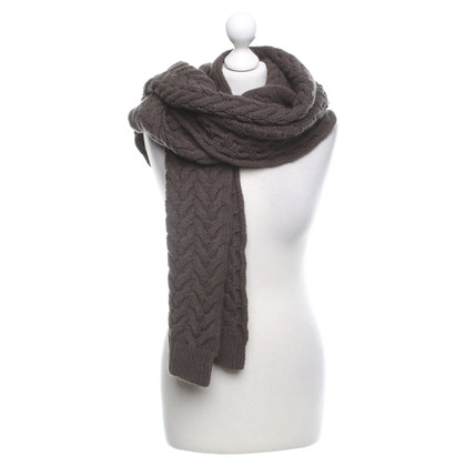 Closed Scarf with wool content