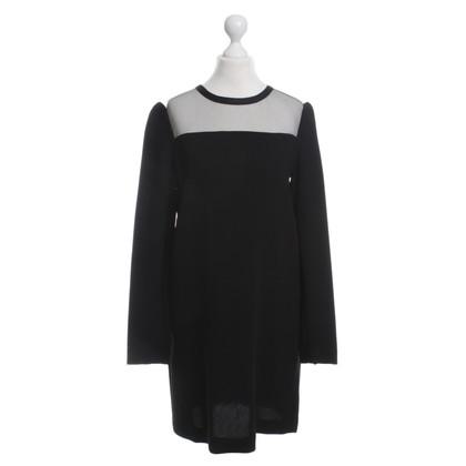 """Diane von Furstenberg """"Elsie"""" in black dress"""
