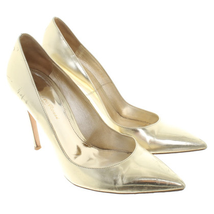 Gianvito Rossi Goldfarbene Pumps
