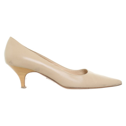Hugo Boss pumps made of leather