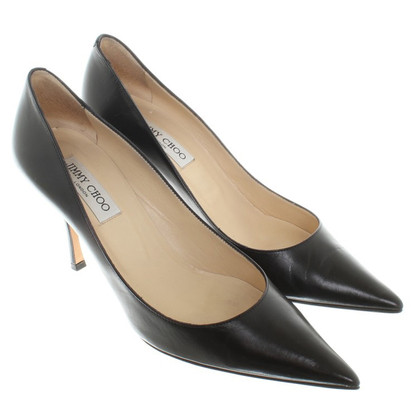Jimmy Choo pumps made of leather in black
