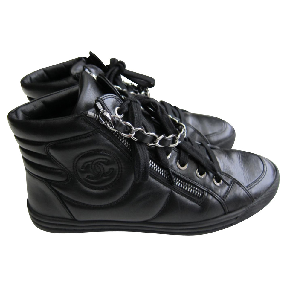 3eb97a34e600 Chanel Sneakers - Buy Second hand Chanel Sneakers for €590.00