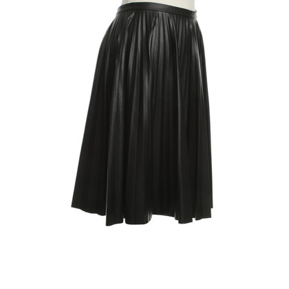 Max Mara skirt in leather look