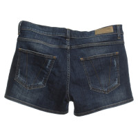 Victoria Beckham Shorts in Dunkelblau