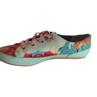 Charles Philip Shanghai Charles Philips floral snakers