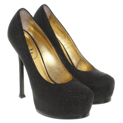 Yves Saint Laurent High Heels in black