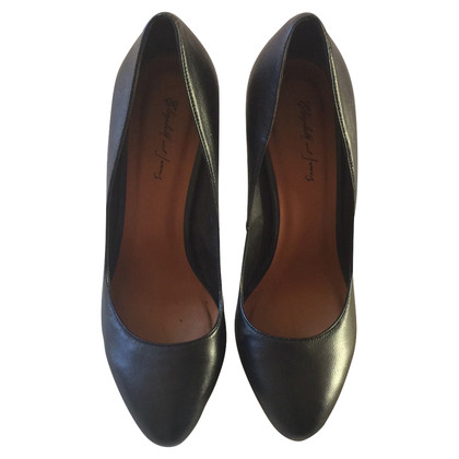 Elisabeth and James High Heels super chic