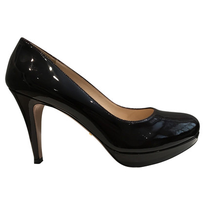 Prada Lakleer pumps