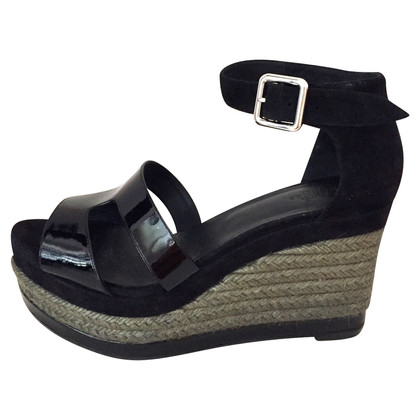 Hermès Wedge Sandals