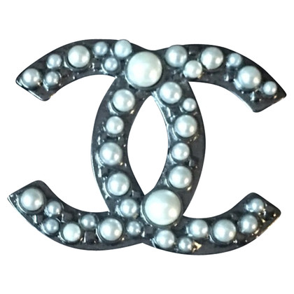 Chanel Broche met parels