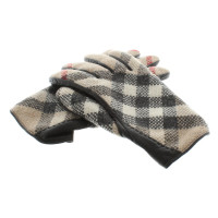 Burberry Gloves with Nova check pattern