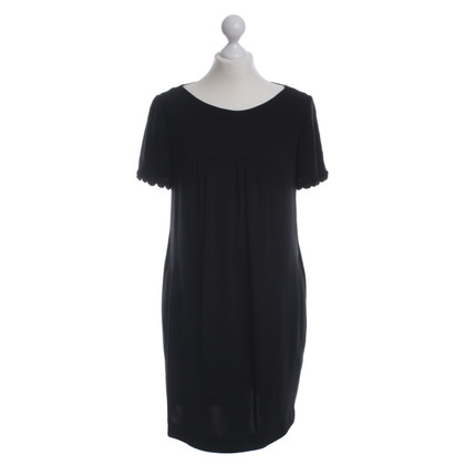 Rena Lange Loose-fitting dress with pleats detail