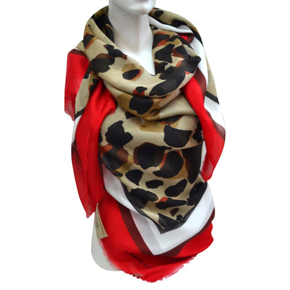 Burberry Cloth with animal print
