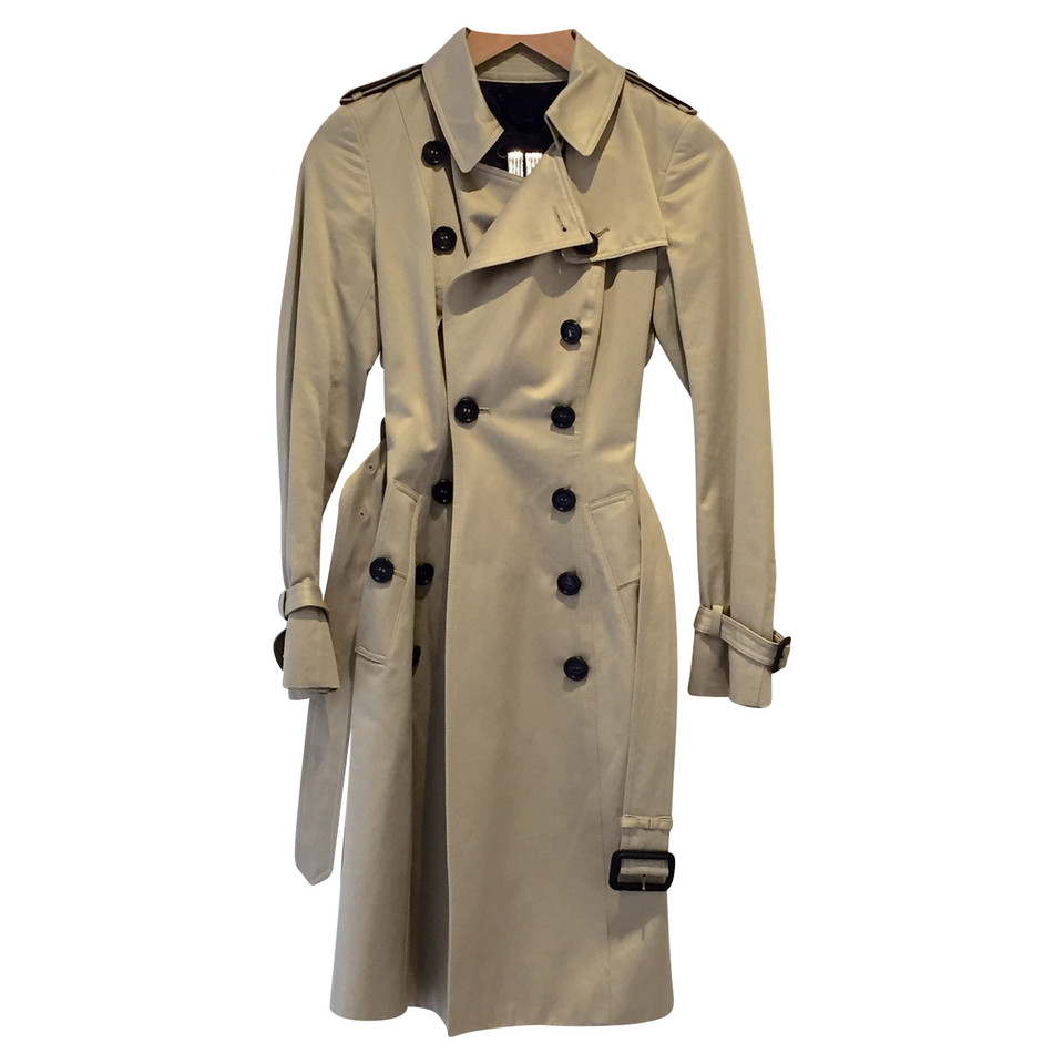 burberry trenchcoat koop tweedehands burberry trenchcoat voor 978178. Black Bedroom Furniture Sets. Home Design Ideas