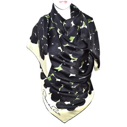 Oscar de la Renta XXL silk scarf with pattern