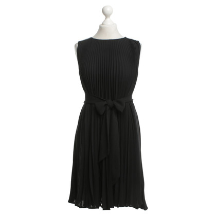 Diane von Furstenberg Pleated dress in black