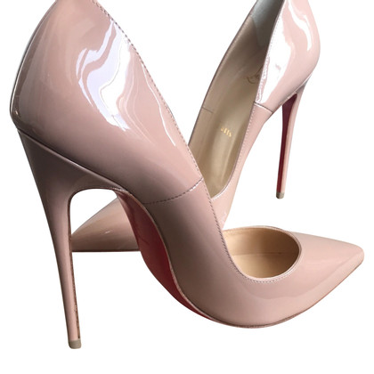 Christian Louboutin pumps in lakleder