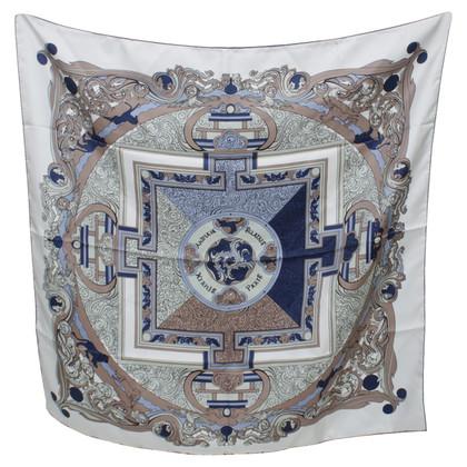 Hermès Foulard en soie avec imprimé
