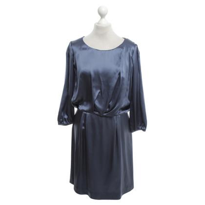 Hugo Boss Seidenkleid in Blau