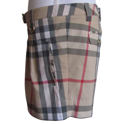Burberry Shorts with Nova check pattern