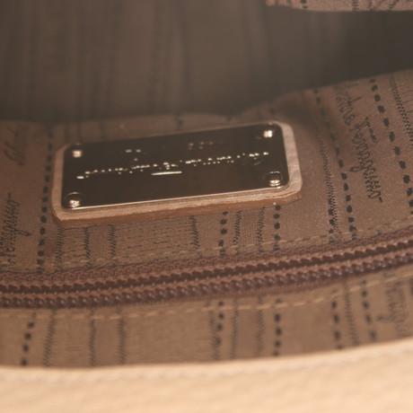 Salvatore Ferragamo Nudefarbene Handtasche Nude Verkauf Outlet-Store Spätestens Zum Verkauf Rabatt Große Überraschung Verkauf Manchester Großer Verkauf Kaufen Authentische Online U1cm9V