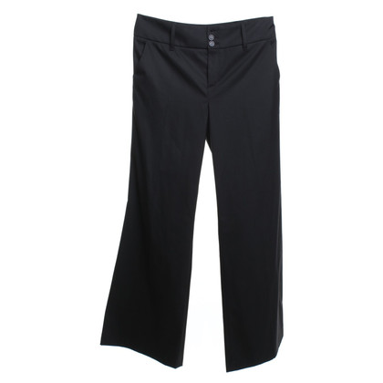Set trousers in black
