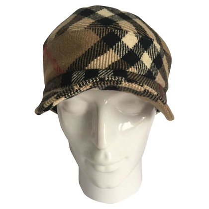 Burberry Cap with nova check pattern