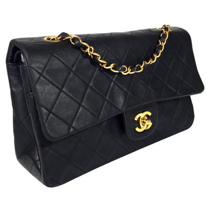 "Chanel ""Bb3e71dc Medium"""
