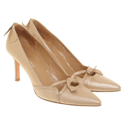 Valentino pumps made of leather