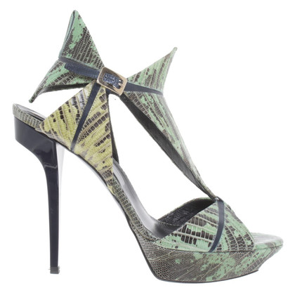 Roger Vivier Plateau-pumps in reptile design