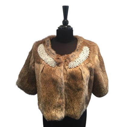 Rich & Royal Rabbit Fur cape met kralen versiering