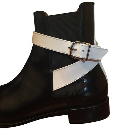 100% Original Günstiger Preis Balenciaga Stiefelette mit Schnallen Schwarz / Weiß Spielraum Offiziellen Verkauf Genießen Footaction Günstig Online McvZuh6TFj