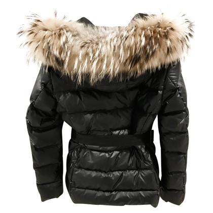 Moncler giacca invernale con cappuccio di pelliccia