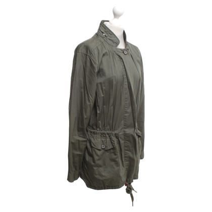 Closed Oversize parka in olive