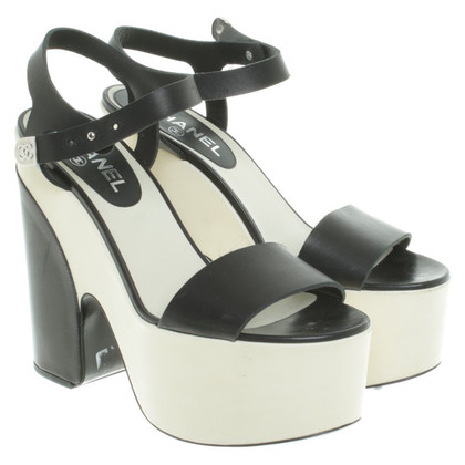 Chanel Plateau sandals in black/cream