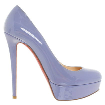 Christian Louboutin pumps in violet